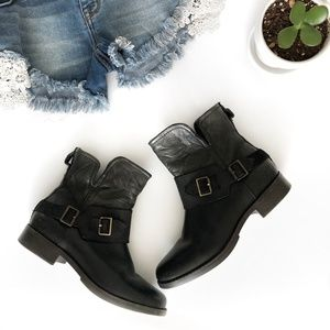UGG Black Leather Side Zip Ankle Boot Size 6.5